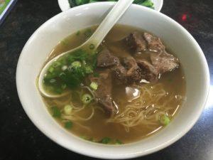 香港の牛筋麺36HK$