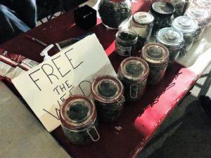バンクバーの大麻屋台の無料大麻