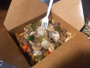 MEAN PoutineのPhilly Cheese Steak Poutine 9CA$